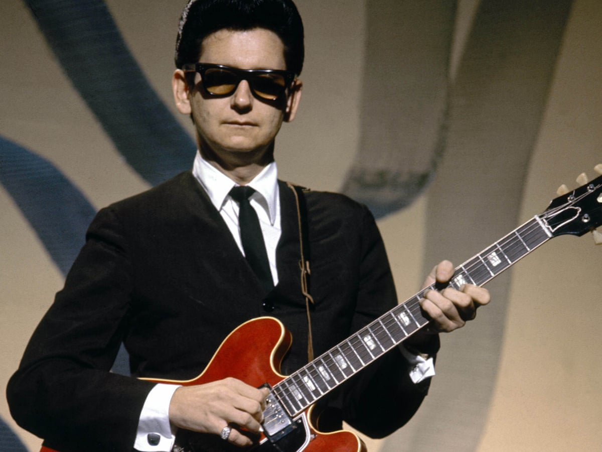Roy Orbison, in his classic pose.